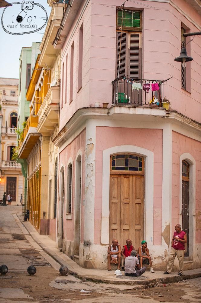 Evening Gossip in Havana