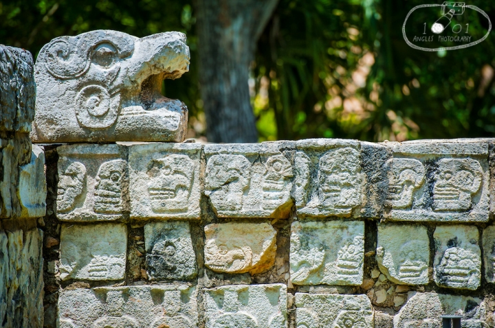 Mayan Ruins - Skeleton Heads