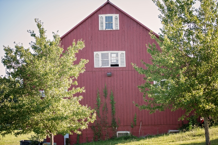 barn-wedding-maryland-photography-15