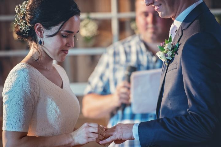 barn-wedding-maryland-photography-23
