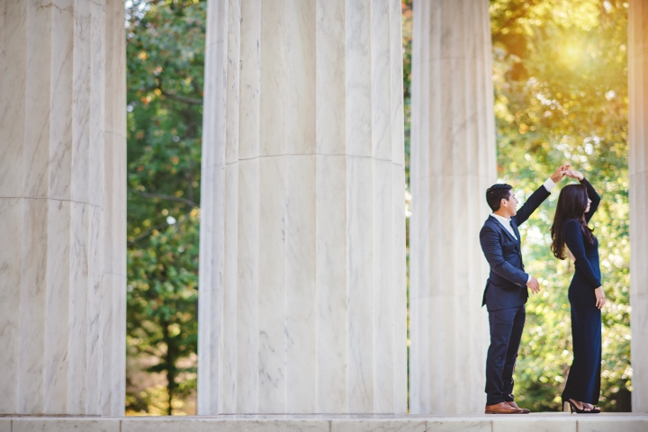 jefferson-memorial-sunrise-engagement-session-21