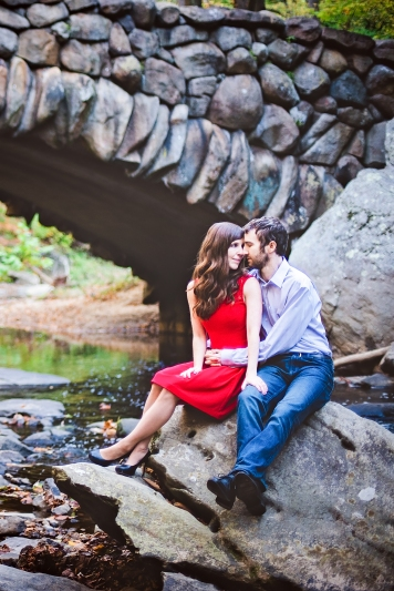 rock-creek-park-autumn-engagement-session-12