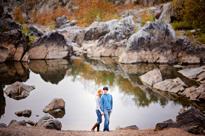 great-falls-park-maryland-engagement-session-13