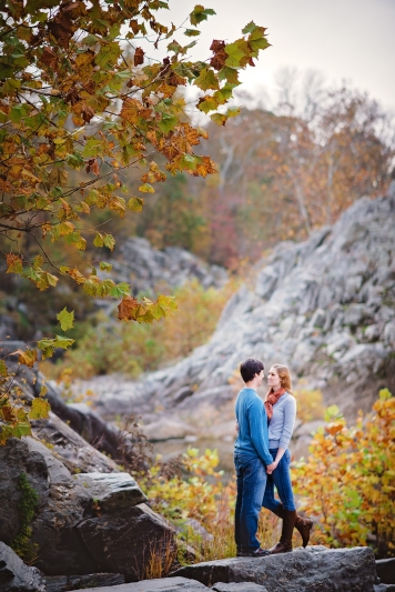 great-falls-park-maryland-engagement-session-15