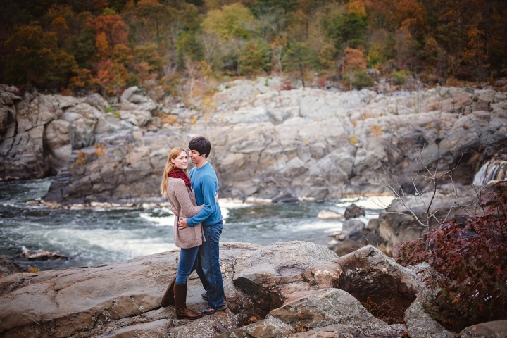 great-falls-park-maryland-engagement-session-3
