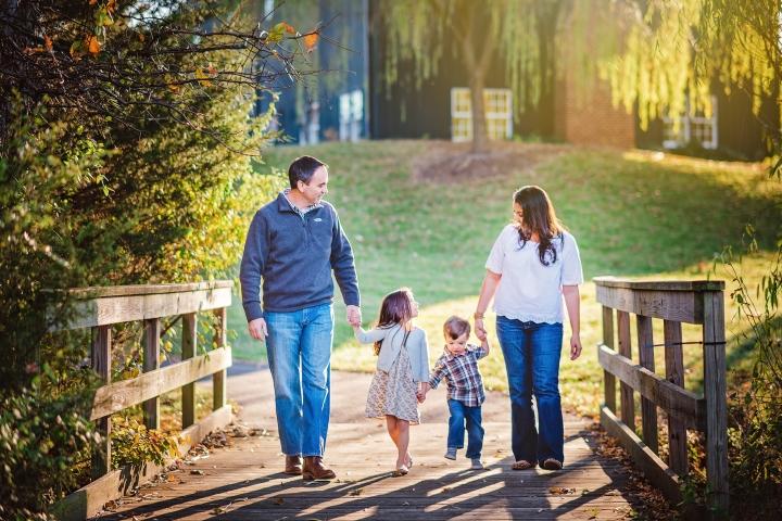 Clyde's Willow Creek Farm Family Photos-8